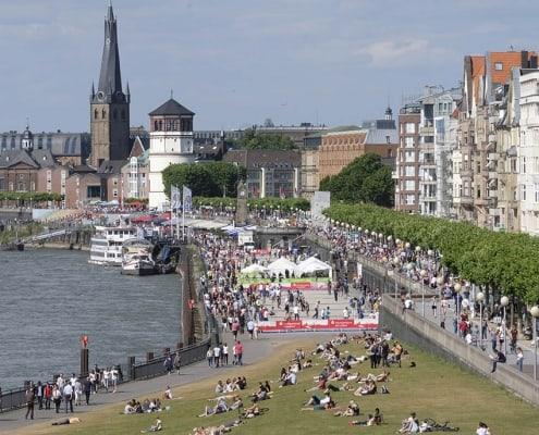 1866-kej Spielgelände am Rhein 1